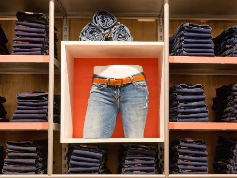 Levi Strauss Reports Positive Q1 Revenue and EPS Growth Despite COVID-19