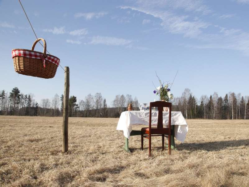 a close up of a dry grass field: Bord för En, or Table for One, will open on May 10. Linda Karlsson
