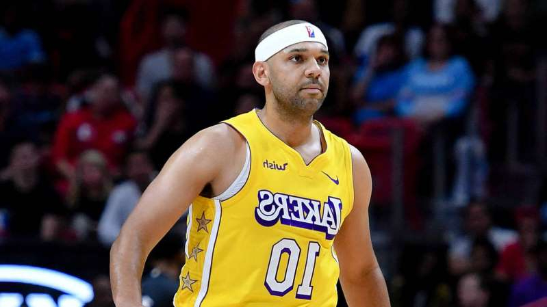 Jared Dudley holding a yellow ball