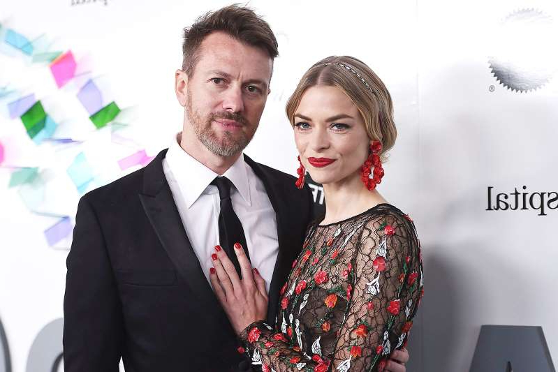 Jaime King, Kyle Newman are posing for a picture: Jaime King and Kyle Newman