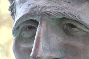 Petition calls on Whitehorse to remove Jack London sculpture