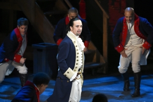 Lin-Manuel Miranda delightfully counted down to the 'Hamilton' premiere like he was on Broadway