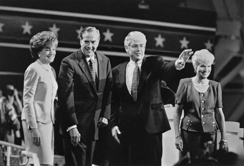 Jack Kemp, Bob Dole posing for a photo: The GOP presidential ticket of Bob Dole, second from right, and Jack Kemp was cut loose by the party in 1996. But times have changed, Rothenberg writes, and it is unlikely the modern GOP would employ the