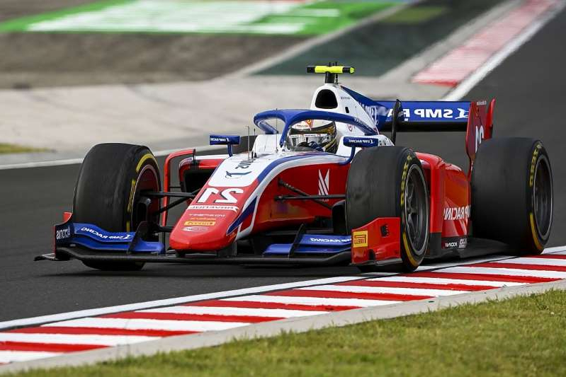a racing car on a road: Shwartzman dominates Hungary F2 feature race