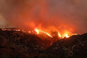 California: a fire ravages the region east of Los Angeles