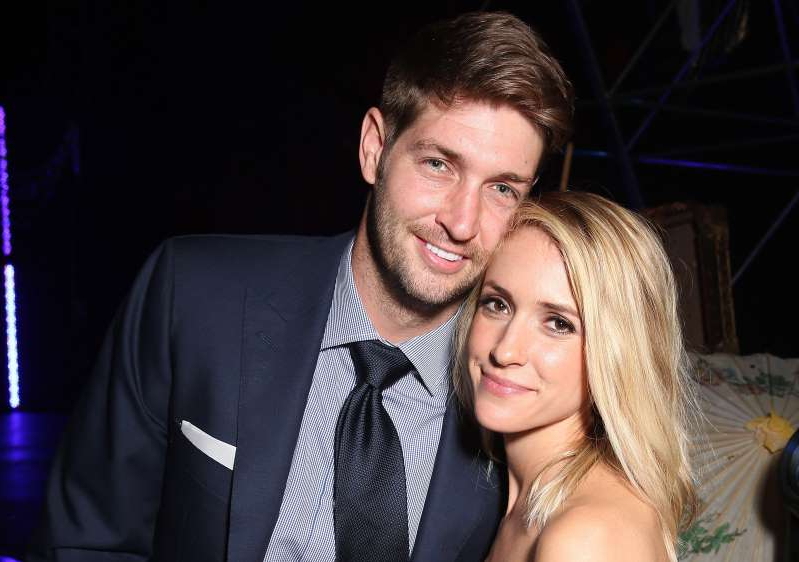 Kristin Cavallari, Jay Cutler are posing for a picture: Getty Images