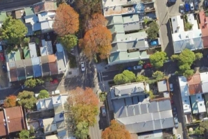 Sydney man invokes squatting law to win rights to Redfern 'dunny lane' in NSW Supreme Court