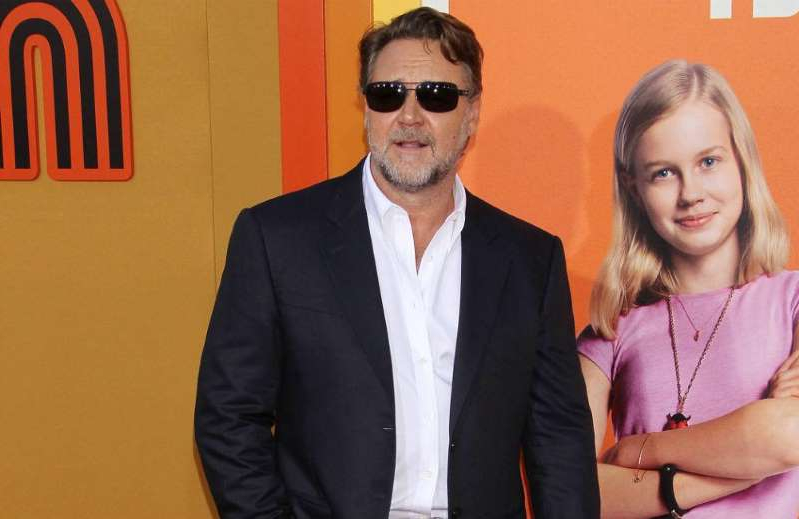 Angourie Rice, Russell Crowe posing for a picture