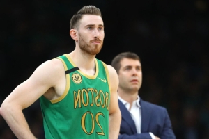 Hayward returns after month-long absence, comes off bench in Game 3