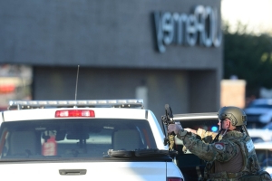 No victims in Lehigh Valley Mall shooting, building being searched, says police chief