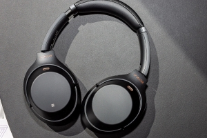 Sony's last-gen WH-1000XM3 wireless noise-canceling headphones are $95 off