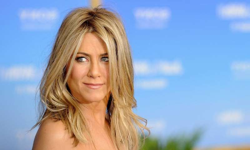 a close up of Jennifer Aniston: Hello! Magazine