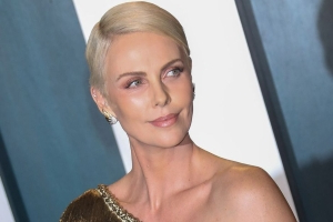 Charlize Theron posts cute photos of her daughters