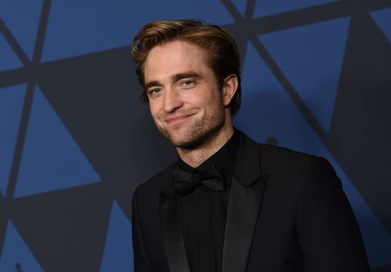 Robert Pattinson wearing a suit and tie: Jordan Strauss/Invision/AP, File/CPImages