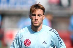Manchester City must pay £23m to sign Ajax defender Nicolas Tagliafico