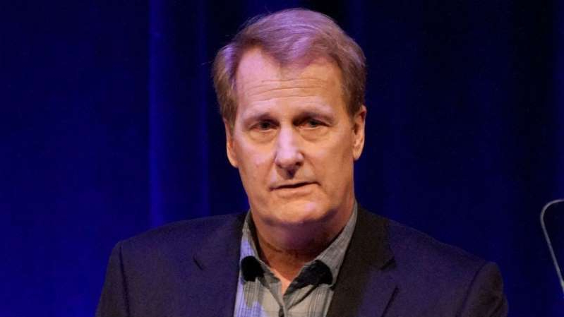 Jeff Daniels wearing a suit and tie: 'Comey Rule' exposes entertainment reporting's blinding partisanship