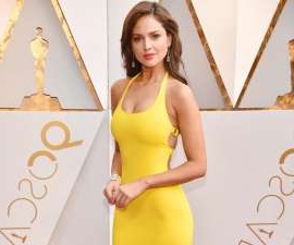 Eiza Gonzalez posing for a picture: Eiza González of 'Baby Driver' fame has quite the diet and fitness routine. The Mexican actress' go-to exercise includes...