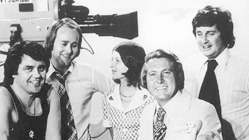 Bill Peach et al. posing for a photo: This Day Tonight team (left to right) Paul Murphy, Bill Peach, June Heffernan, Tony Joyce and Peter Luck in 1974. (ABC)