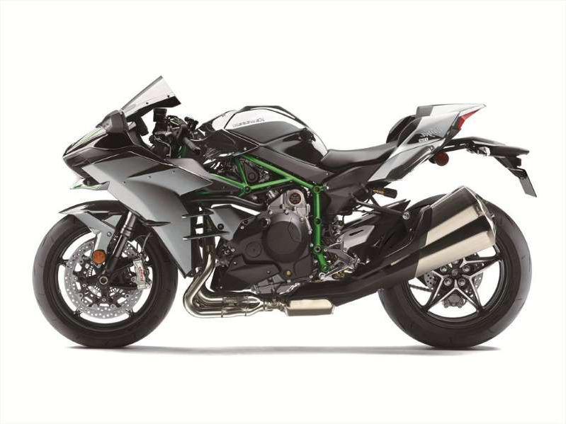 a motorcycle parked on the side: 2020 Kawasaki Ninja H2