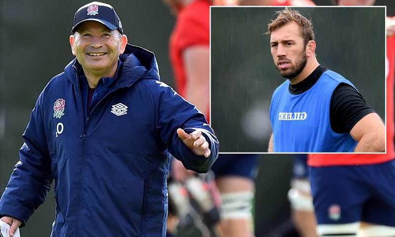 Chris Robshaw, Eddie Jones are posing for a picture: MailOnline logo