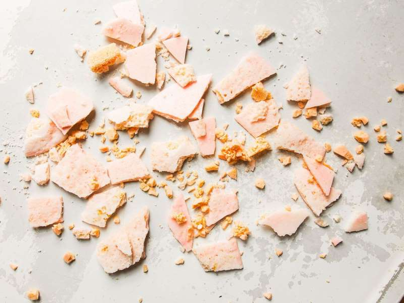 a slice of pizza: Make sure you pack your fizzy candy in airtight bags so it fizzes for a long time.
