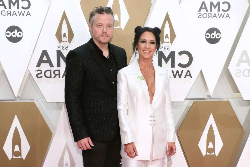Amanda Shires, Jason Isbell are posing for a picture: Amanda Shires and Jason Isbell. Photo: Getty Images