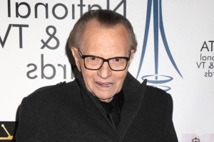 Larry King hospitalized with 'heart issues': Report