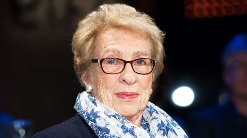 a close up of Eva Schloss wearing glasses: Ingo Wagner/AP