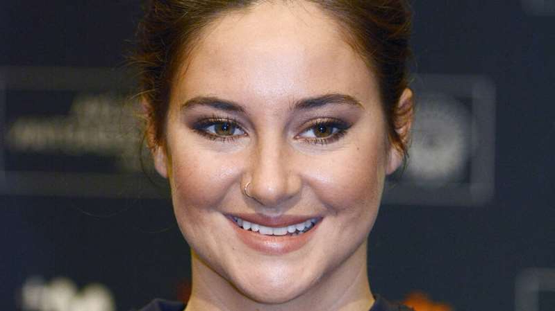 Shailene Woodley posing for the camera