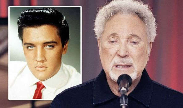 Tom Jones, Elvis Presley are posing for a picture: TOM JONES ELVIS PRESLEY MUSIC MEETING LAS VEGAS US