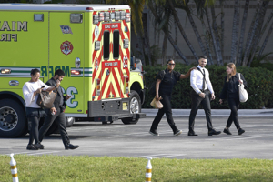 At least 3 people injured in shooting at Miami-area mall; shooter fled the scene, police say