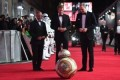 Prince William, Prince Harry greet BB-8 on Last Jedi red carpet