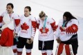 At medal ceremony after loss to USA, Canada's Jocelyne Larocque yanks silver medal off her neck