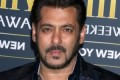 Bollywood hero Khan forced to spend extra day in jail