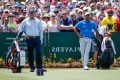 Tiger, Mickelson fall behind as 6 tied for lead at Players Championship