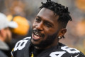 Report: Antonio Brown asks Steelers to trade him