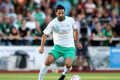 Claudio Pizarro scores 96th minute equalizer for Werder Bremen