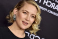 Kate Hudson Just Showed Off Her Super-Toned Abs After Giving Birth 8 Months Ago