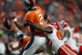 Chiefs win game, lose Patrick Mahomes, in 30-6 win over Broncos