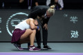 Knee injury forces Bianca Andreescu to drop out of WTA Finals