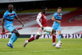 Soccer-Late Nketiah strike gives Arsenal 2-1 win over West Ham